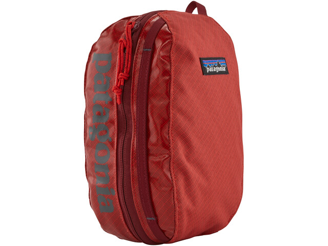 Patagonia Black Hole Cube S catalan coral